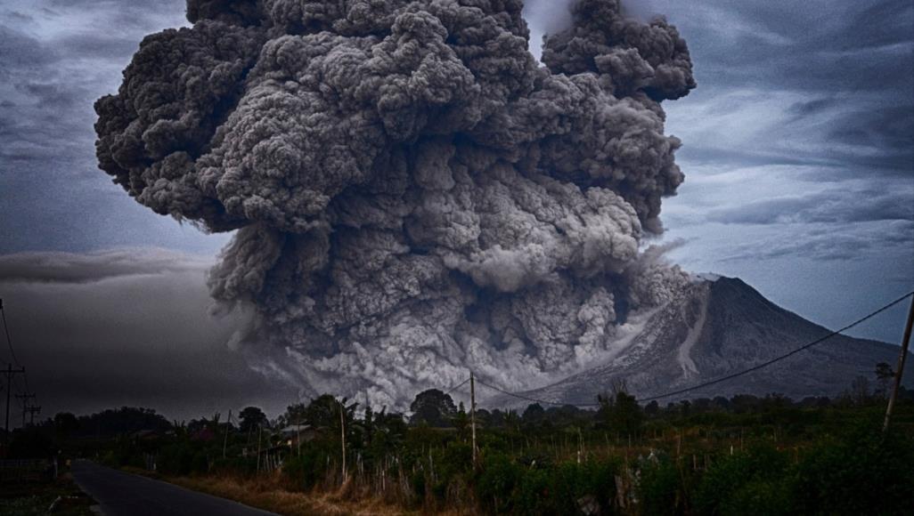 """لبركان """"أناك كراكاتوا"""" ثورات متكررة من بينها ثورانه سنة 2008 (بيكسابي)"""