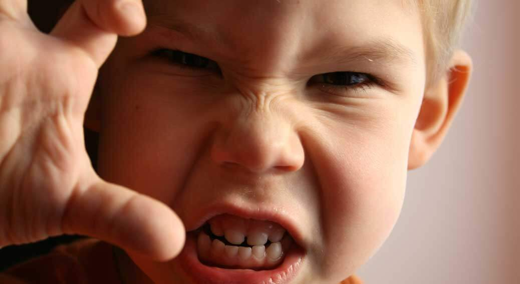 العدوانية عند الاطفال: مظاهرها، اسبابها وطرق علاجها