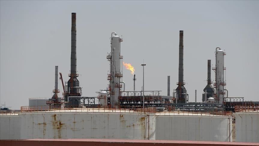 وزير كويتي: اتفاق تاريخي لخفض إنتاج النفط بنحو 10 ملايين برميل