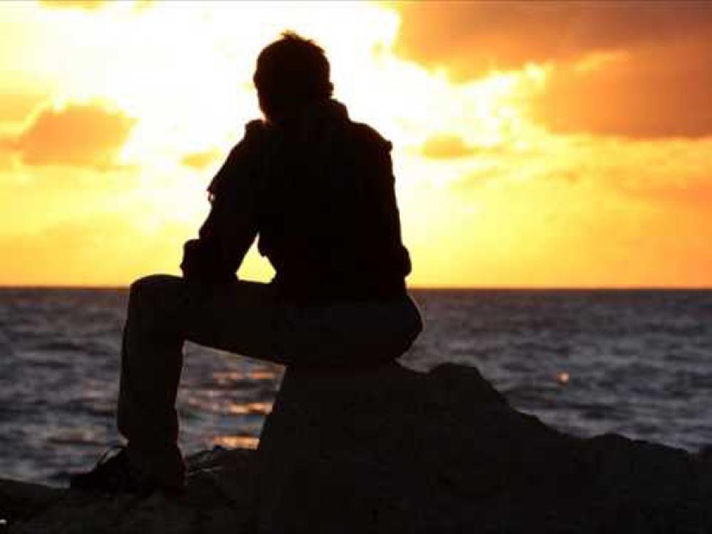 العزلة الاجتماعية والشعور بالوحدة تدهور صحة الإنسان - صحيفة الوطن