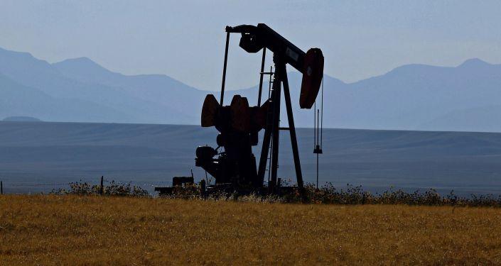 صورة بسبب أوسع عمليات إغلاق… هبوط أسعار النفط بعد بلوغها أعلى مستوياتها