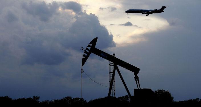 صورة كورونا في الهند يهبط بأسعار النفط من أعلى مستوياتها في 6 أسابيع