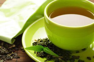 صورة الشاي الأخضر وإمكانية تناوله أثناء الرضاعة